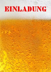 Einladungskarte mit Nahaufnahme von Bier